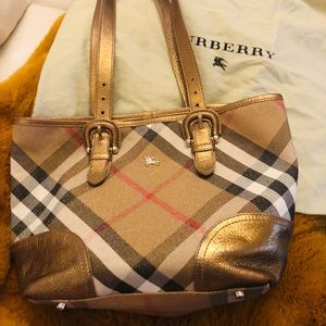 🍂🍂Authentic Burberry Tote limited edition